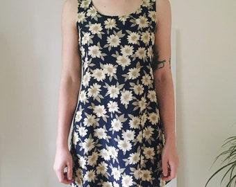 2e335350cfa Vintage 90s Sunflower Print Mini Dress