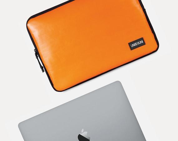 Watercolour Love Girl 10 Inch Laptop Sleeve Computer Case Notebook Computer