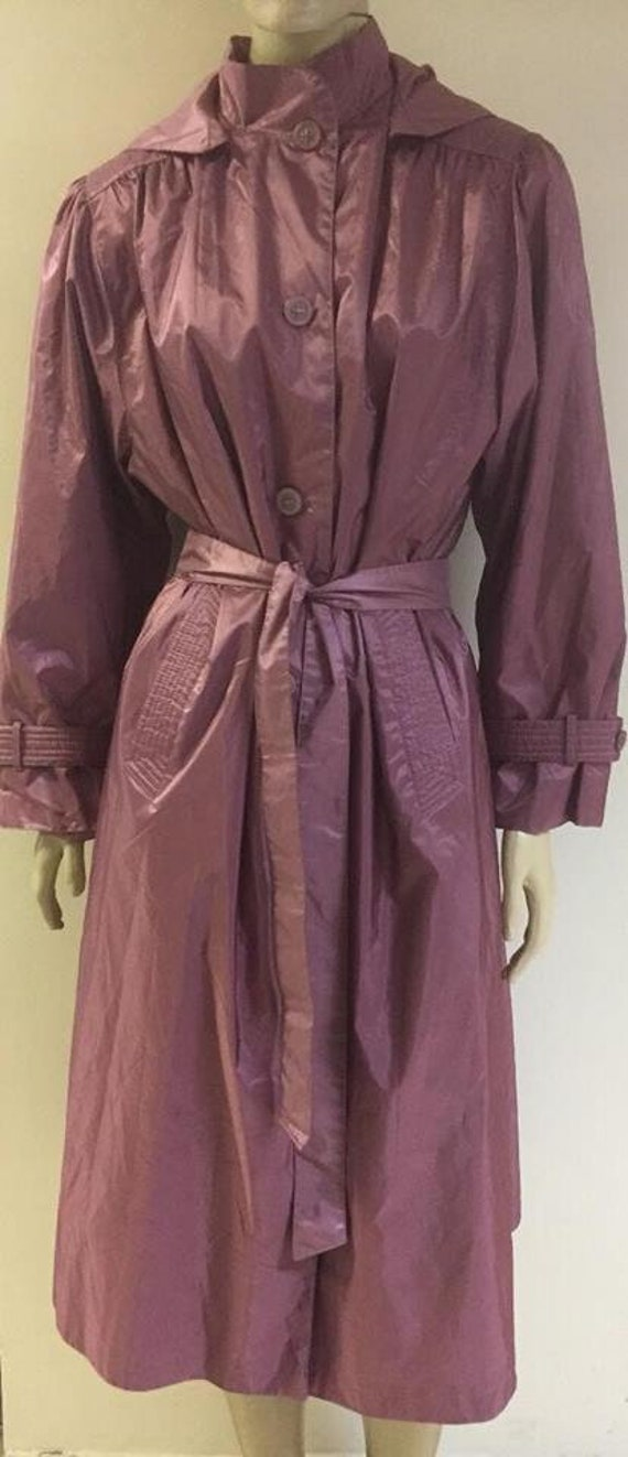 Gorgeous pink trench coat with tie and hood