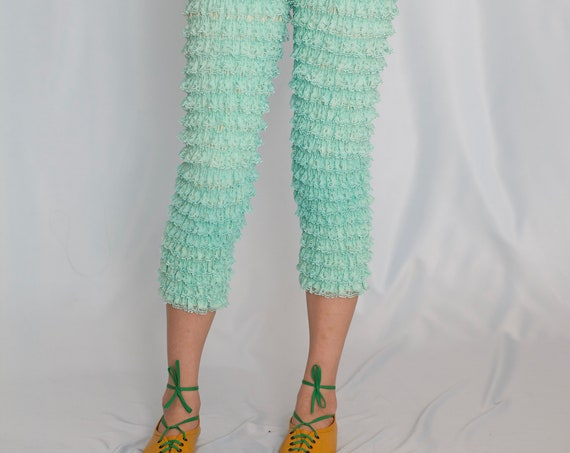 Unique late 50's - 60's sea-foam green lace frilly ruffle fitted stretch flattering bloomer trousers pants