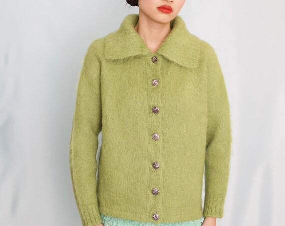 Mossy hand knit late 50's apple green mohair hairy textural wide collar chic minimal button front boxy knitwear sweater jumper cardigan