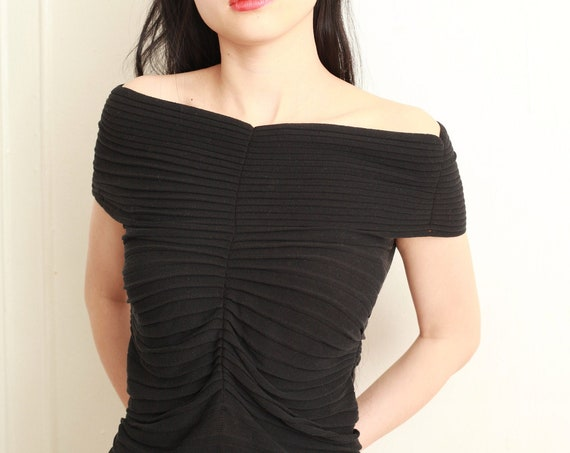 Lux SPORTMAX Italian Y2K designer ruched avant garde black knit ribbed on or off shoulder fitted body con intergalactic blouse shirt