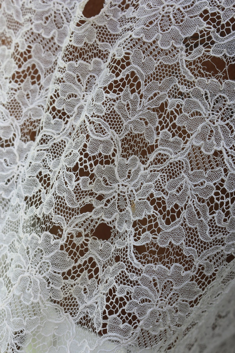 Intricate RARE antique 20/'s sheer off white Chantilly lace ruffle collar pirate ruffle short sleeve semi-cropped boxy top blouse shirt