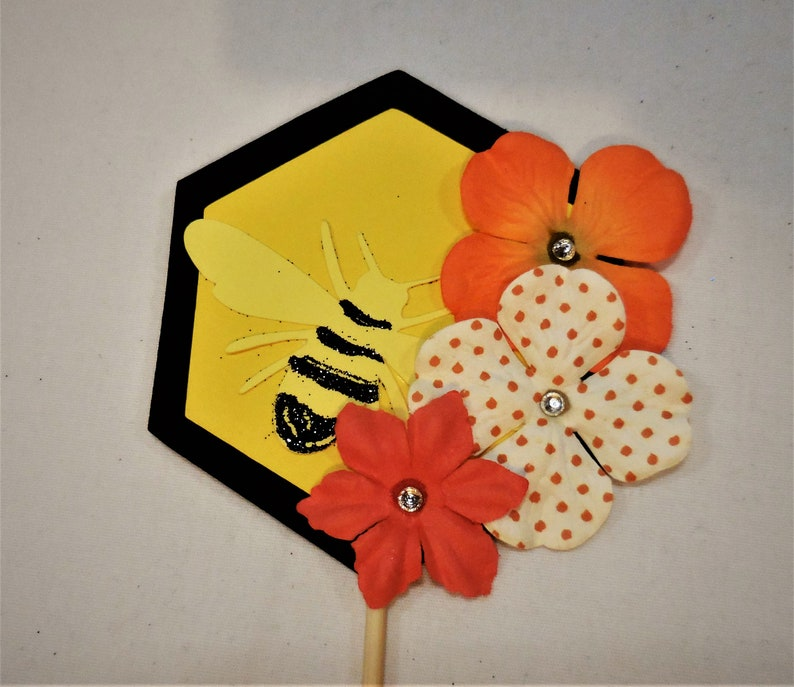 Bee Cake Topper Bee /& Flower Food Picks Bee Flags Bumble Bee Cupcake Toppers Honeycomb Insect Critter Favor Glitter Food Flags Hive Floral