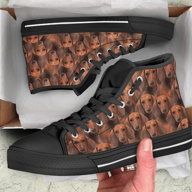 Dachshund Shoes Wiener Dog Breed Lover SneakersUofficielle personaliserede sko i Converse Style Wiener Dog Breed Lover Sneakers Unofficial Personalized Converse Style Shoes