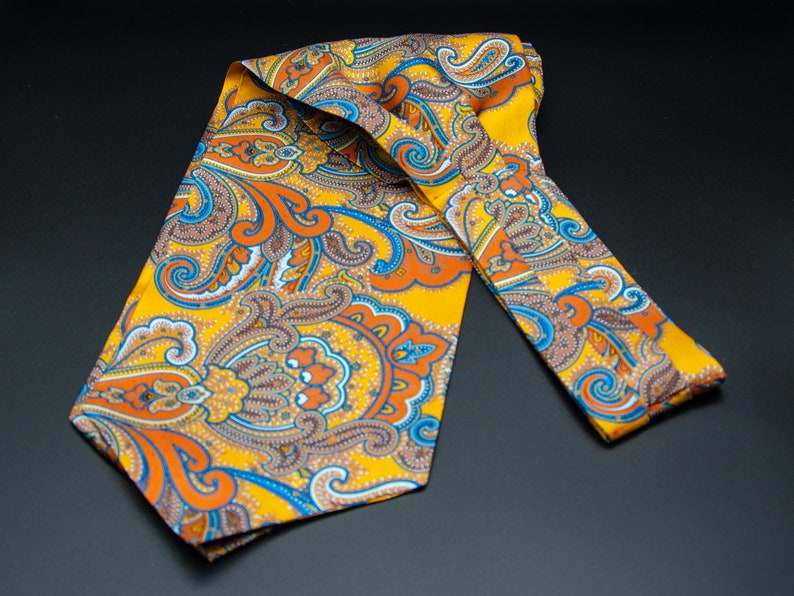 Mens Luxurious Gold Silk Ascot Tie The Carnaby Ascot