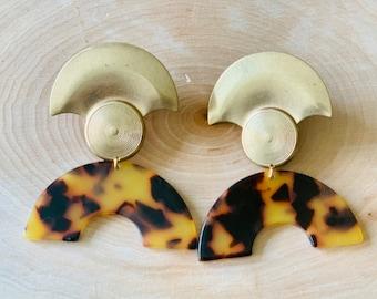 Azraa Tortoise Print Earrings Brass Semicircle Modern Statement Jewelry Ethnic African Inspired Boho Tribal Drop Clip On Earrings