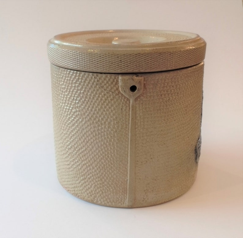 1880s-1890s ca Antique Whites Utica Large Salt Glazed Stoneware Cheese Crock with Cobalt Grape Leaf Relief