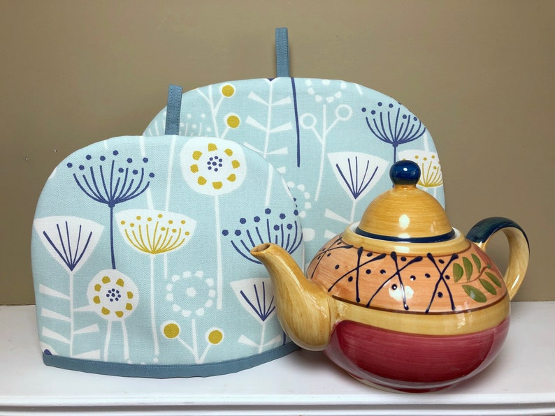 Scandi Flower Tea Cozy / Tea lover gift / Nordic Tea Cosy / image 0