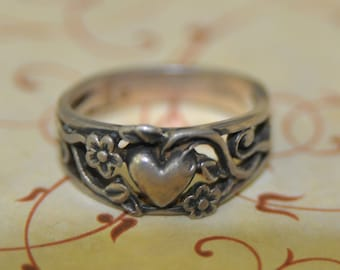 Heart and Arrow Design Antique Hearts Wedding Band Sterling Silver Cupid Arrow Design Ring. 1920s Art Nouveau Cut Out Band Ring