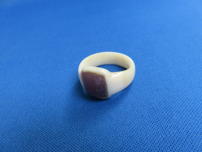 African Art Ethnic Jewelry Shona Carving Polished Cow Bone RING with POLISHED Lepidolite D