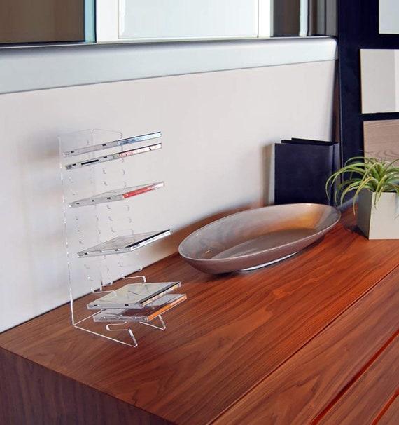 Porta Cd Design Moderno.Slato Porta Cd Da Tavolo A Colonna Dal Design Moderno In Plexiglass Trasparente Debussy Per 15 Dischi