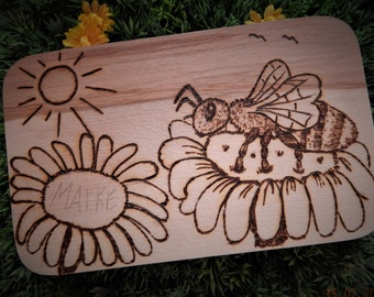 Maike the hardworking bee-breakfast boards in fire painting