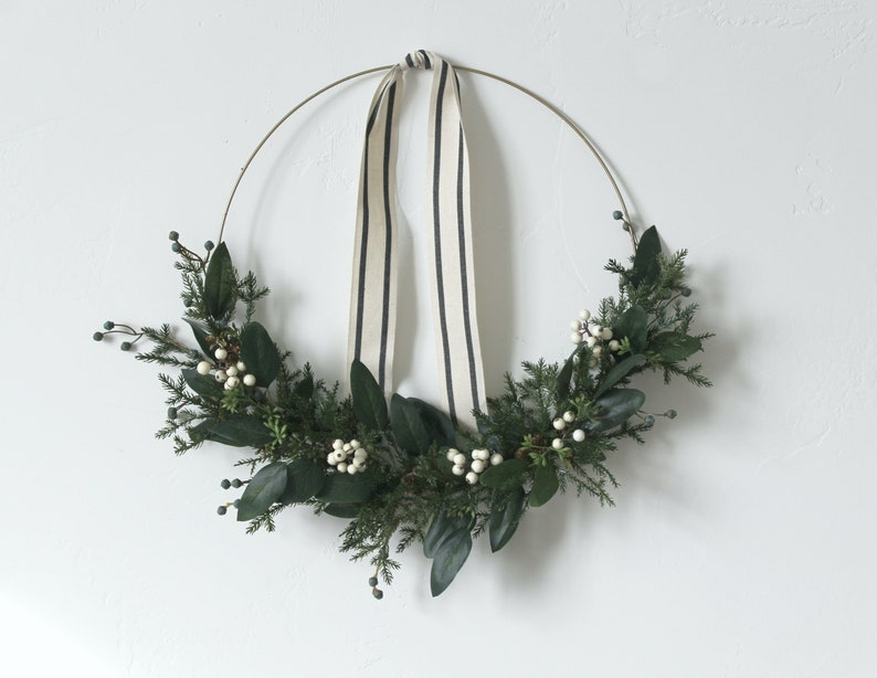 holiday wreath christmas wreath modern wreath gift idea ALICE white berry wreath holiday decor, front door wreath gold hoop wreath