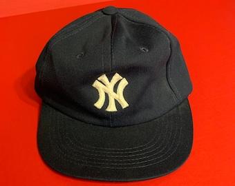 6d7d86b8f Vintage MLB New York Yankees Snapback Hat -- Vintage Snapback Hat
