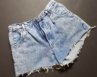 426778979014 Vintage Bugle Boy Size 12 Cut Off Denim Shorts -- Vintage Womens Shorts