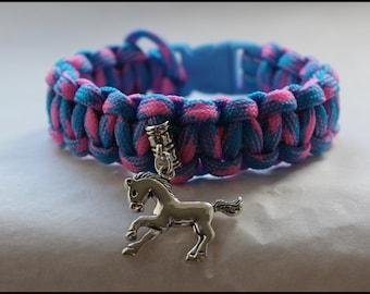 Paracord Survival Bracelet - Silver Horse