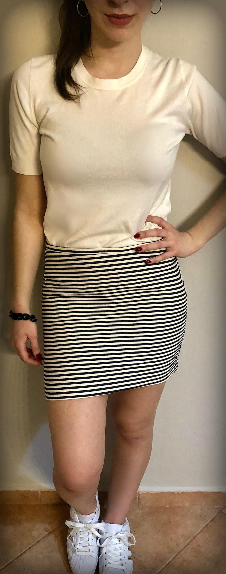 +GIFT INCLUDED Striped white-blue mini skirt