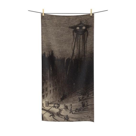 War Of The Worlds, 4 of 6, Bath Towel, Vintage 1906 Illustration, H.G. Wells
