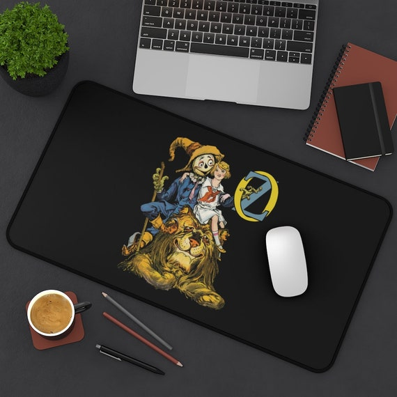 Dorothy, The Scarecrow & The Cowardly Lion Desk Mat, Wizard Of Oz