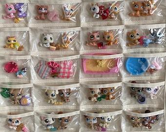 Authentic Hasbro Littlest Pet Shop LPS Lot D ~ 5 Pets Plus Accessories Play Set
