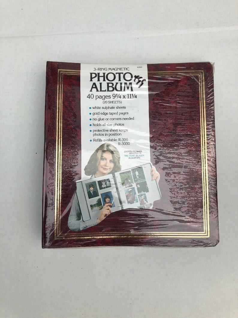 Vintage United Pioneer Industry\u2019s Trail Blazer 3 Ring Magnetic Photo Album 40 Pg