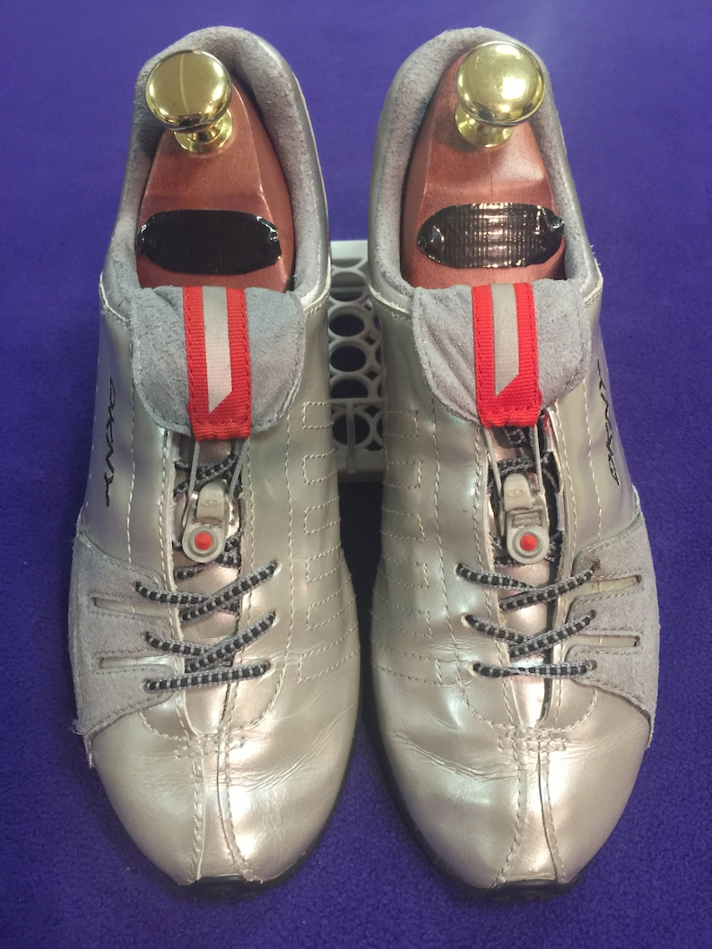 Rare 90's Retro DKNY Sneakers metalliche in pN1974e5