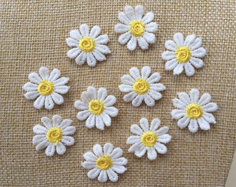 Set Of 10 Daisy Flower Sew On Embroidered Patch Appliqués Badge