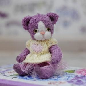 Purple Cat stuffed toy Cute cat Miniature Amigurumicat Pet Animals cat Hand-Knitted Toys kitten Softie Stuffed Animals cat wollen toys