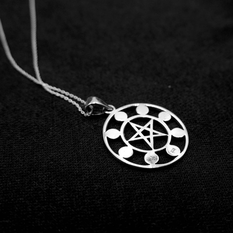Celestial Boho Moon Lunar Charm Necklace 925 Sterling Silver Moon Phases Pentacle Pendant Necklace Bohemian Moon Phases Astrology