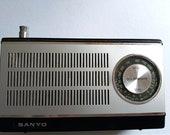 Retro SW MW Sanyo Radio Rare to find Collectable