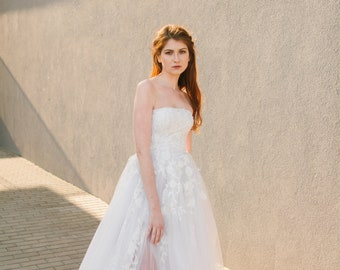 SAMPLE SALE!!! Strapless wedding gown with floral lace appliques (GARDENIA)