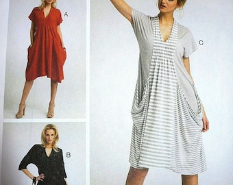 Vogue Ladies Easy Sewing Pattern 8813 Drape Dress with Pockets Vogue-8813-M