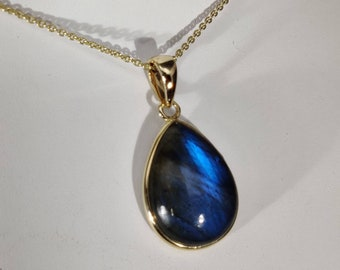 14k gold pendantsLabradorite Necklace, Labradorite 14k solid Gold Pendant Necklace , Natural Labradorite Gold Jewelry, Gifts for Her