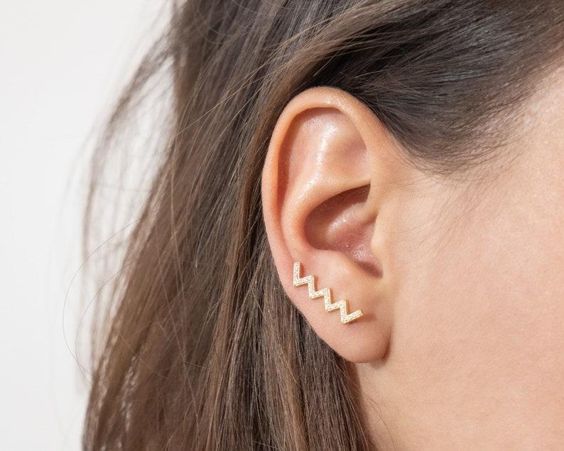 triangle ear climber trepadores gold earrings minimalist ear climbers Minimalist jewelry Dainty earrings ear crawlers