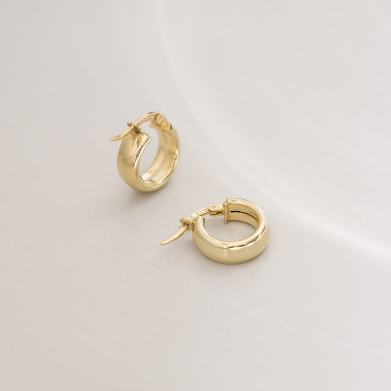 Small gold huggie hoops earring for women tiny silver delicate hoop earrings minimalist fashion gift ideas jewelry for her