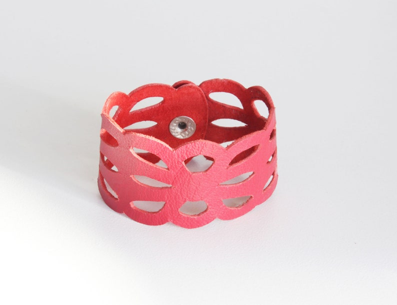 Cuff size Orcus Red