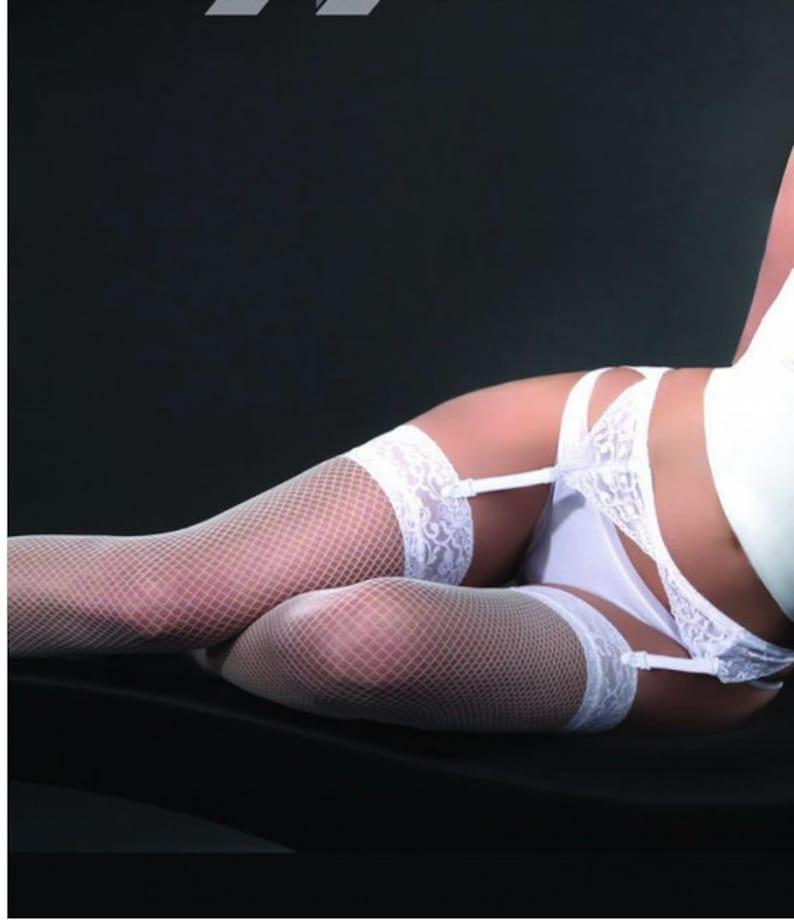 BLACK Fishnet Stockings /& Suspender Belt RED WHITE 219