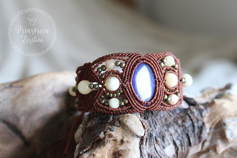Micro Macrame bracelet with Lapis Lazuli