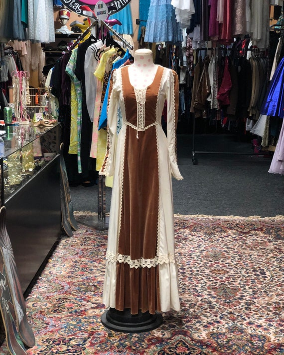 70s Gunne Sax renaissance style dress with brown v