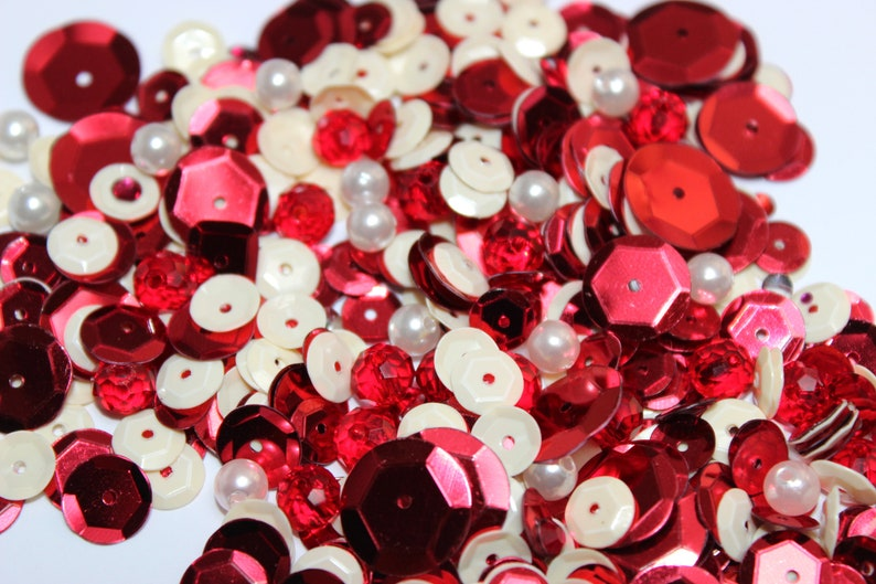 Crafting sequins Crafting Embellishments Embellishments Red White Sequin Mix Sequins /& Beads Scrapbooking Candycane Kisses Sequin Mix