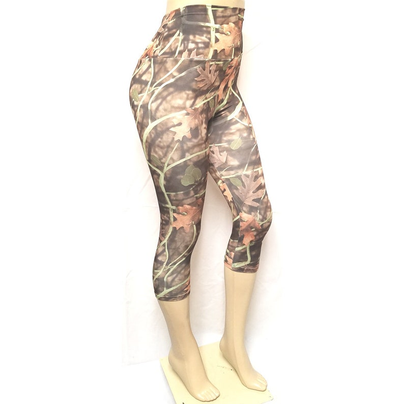 Sale Medium  High Waisted Capris: Mossy Oak image 0