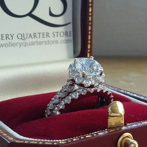 Gift Boxed Sizes UK K to T currently available 925 Sterling Silver Engagement 2mm Square Cut CZ Halo Claw Set Bridal Ring