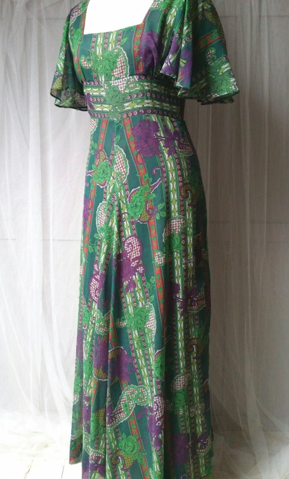 Gorgeous Vintage 1970s Floaty Green, Purple and Re