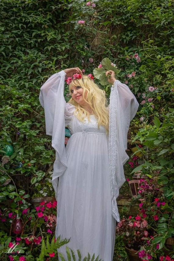Stunning Iconic Vintage 1970s White Maxi Dress /We