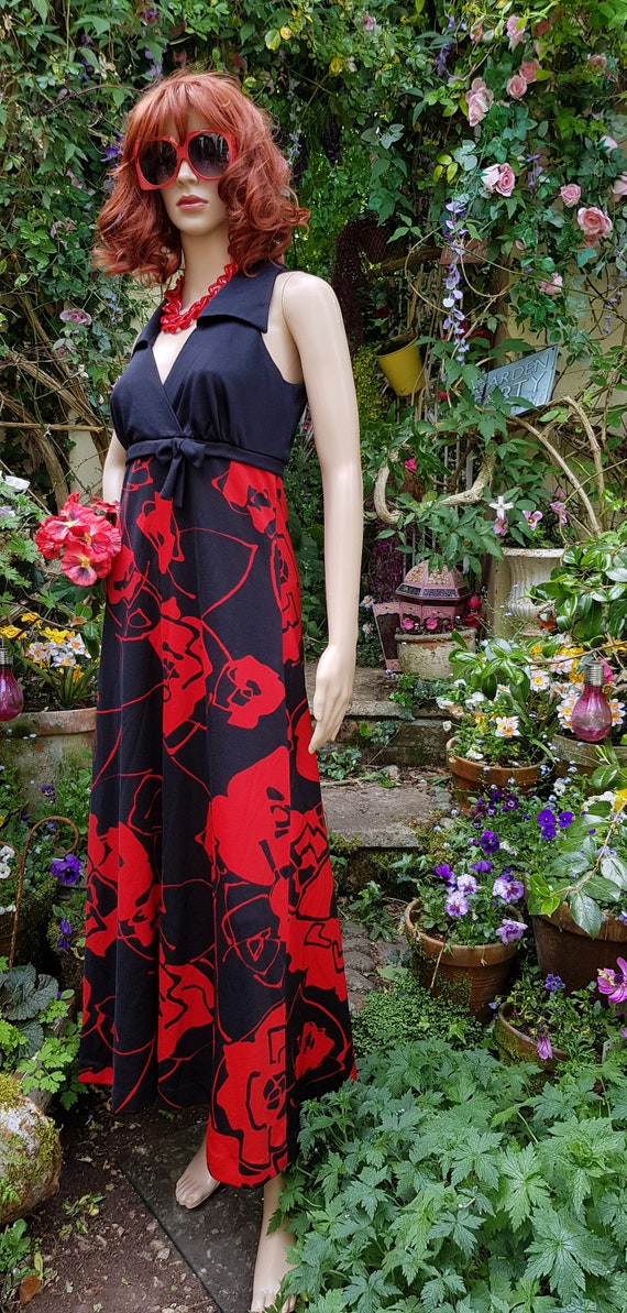 Stunning Vintage 1970s Tina Warren Black Red Flow… - image 7