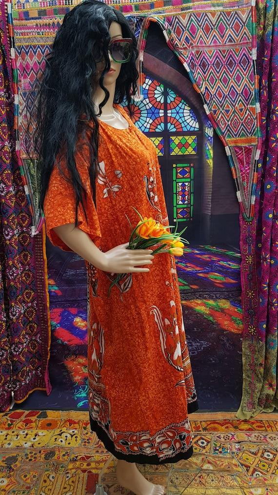 Fab Vintage 1970s/1980s Plus Size Orange Batik Ka… - image 7
