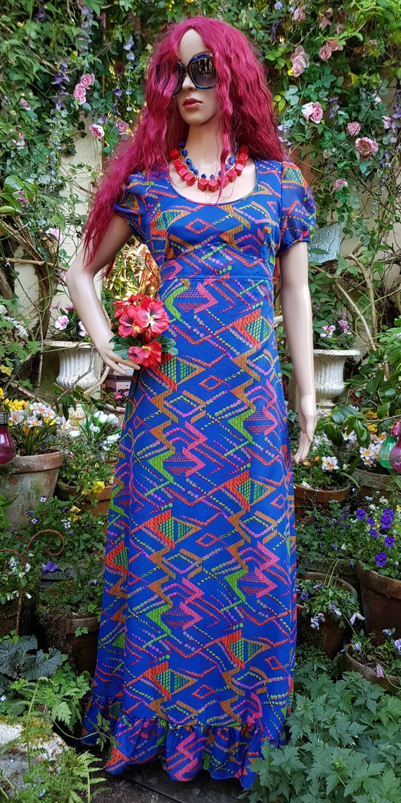 Fabulous Vintage 1970s Psychedelic Blue and Pink G