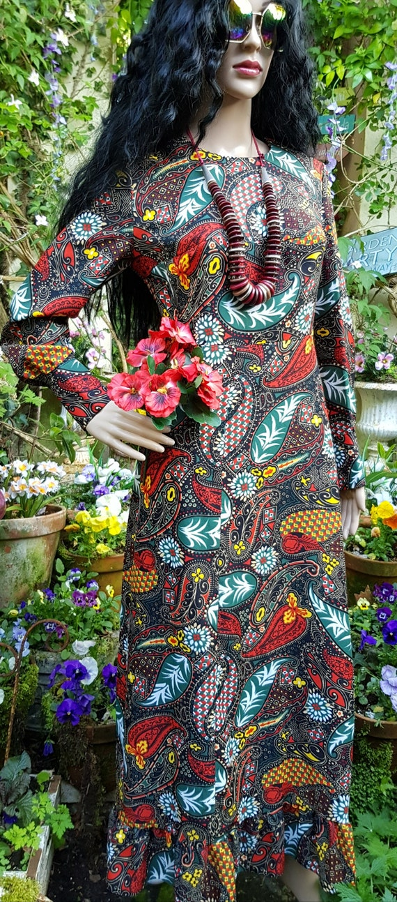 Gorgeous Vintage 1970s Psychedelic Black, Red and… - image 4