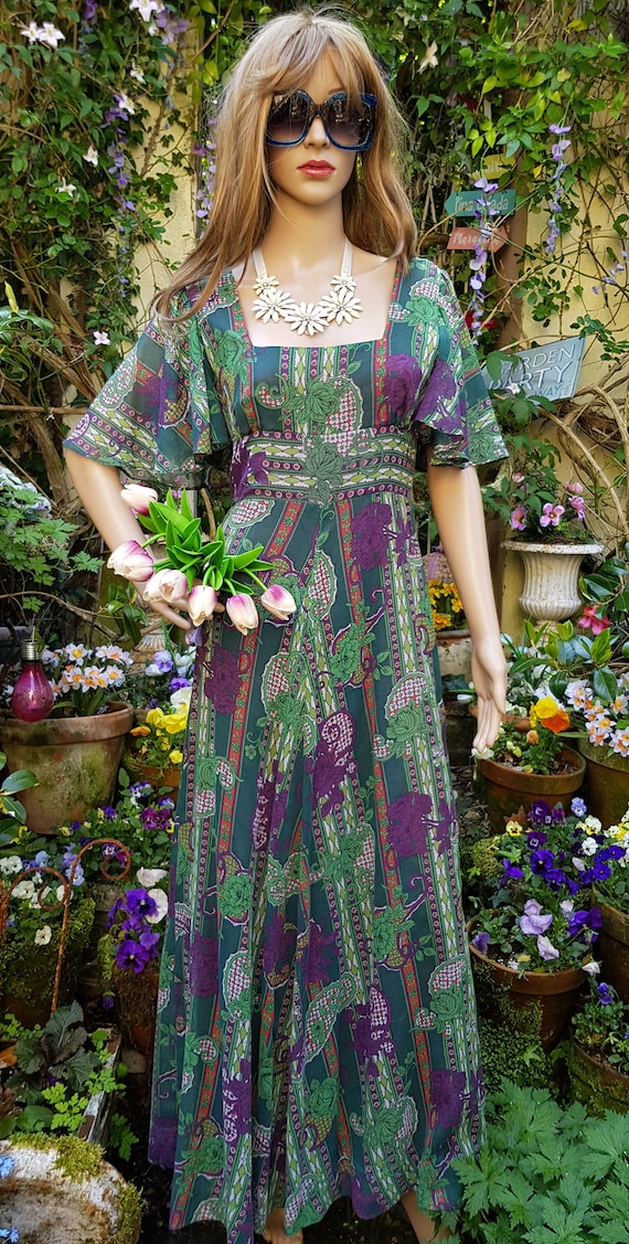 Gorgeous Vintage 1970s Floaty Green, Purple and R… - image 6